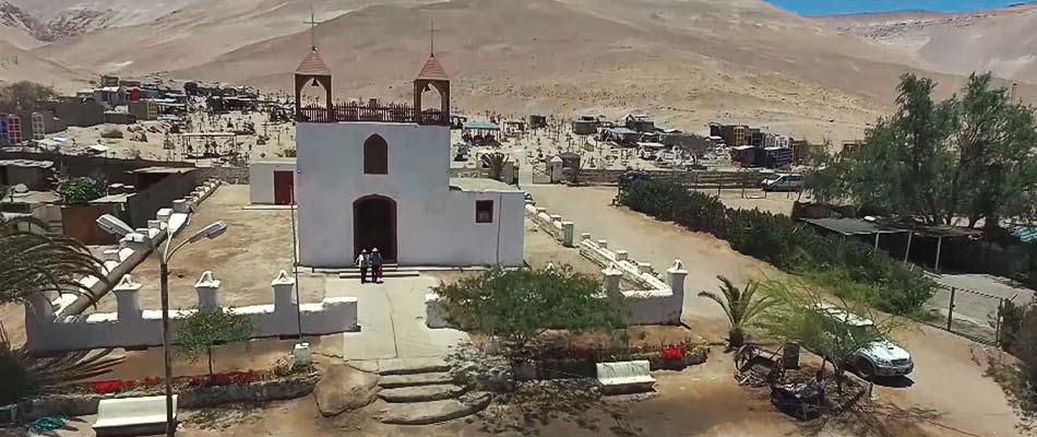 Iglesia Pueblo de Poconchile vista aérea Valle de lluta Arica