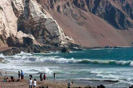 Playa Corazones sector cuevas de Anzota Arica