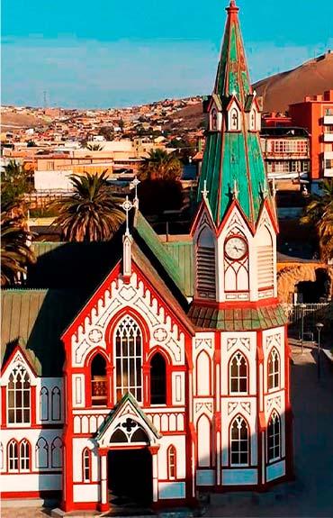 Vista frontal Iglesia San Marcos Region de Arica y Parinacota