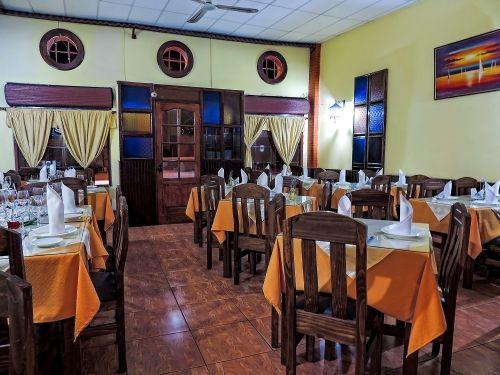 restaurant-caldillo-de-congrio