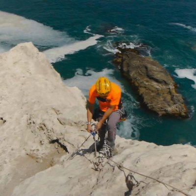 Cuevas de Anzota escalada en roca