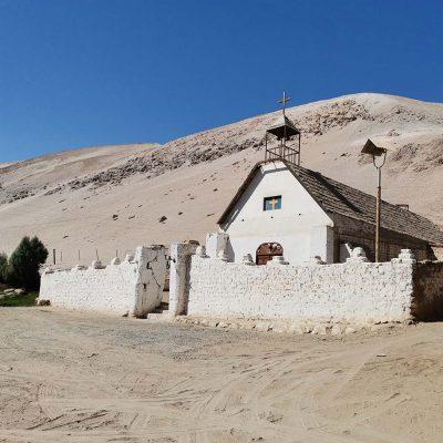 Iglesia Pueblo de Molinos Valle de Lluta vista frontal