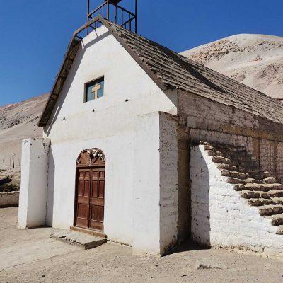 Iglesia Pueblo de Molinos Valle de Lluta vista lateral