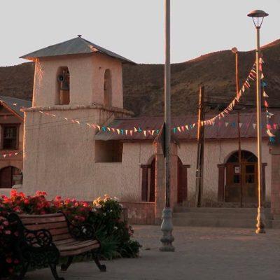 Iglesia Putre Altiplano Arica y PArinacota