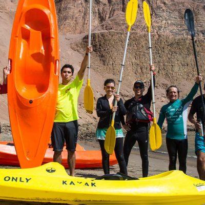 Kayak-Cuevas-de-Anzota-grupo-de-turistas.jpg